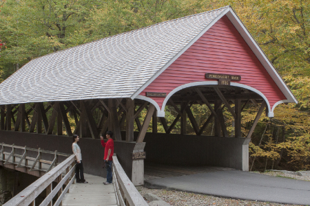 Een covered bridge op de Flume gorge loop